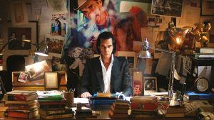 Nick Cave (dokumentti)elokuvassa 20 000 päivää maan päällä.