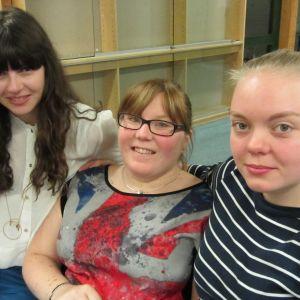 Juliette Nicodemé, Annika Selin och Emma Jorpes från Västra Nylands Folkhögskola