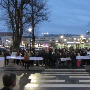 Demonstration för flyktingar i Borgå.