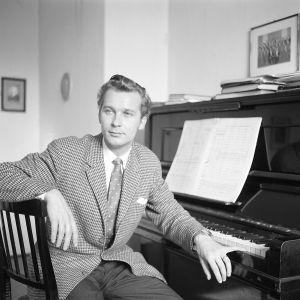 Säveltäjä Aulis Sallinen vuonna 1960.