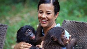 Liz Bonnin vetämä sarja tutkailee eläinten tunne-elämää.