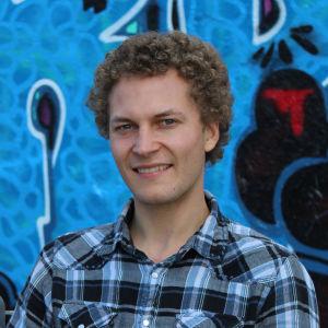 Kuvassa on tutkija ja tietoverkkoasiantuntija Juha Nurmi