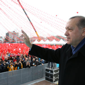 Turkiets president Recep Tayyip Erdoğan har anklagat både Tyskland och Nederländerna för nazifasoner då de förbjöd turkiska valmöten inför den omstridda folkomröstningen nästa månad