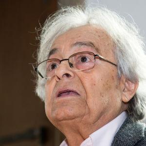 Syyrialainen kirjailija, runoilija Adonis ( Ali Ahmad Said Esber )