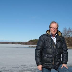 Gösta Willman och vy från Kanäs