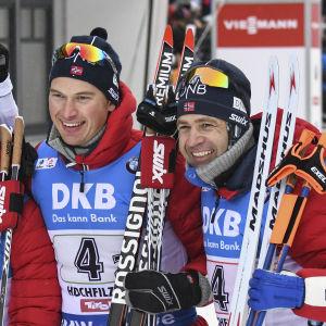 Norges herrlag poserar efter segern.