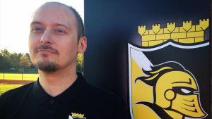 Christian Andersson är ny tränare för innebandylaget FBC Raseborg Knights från maj 2014.