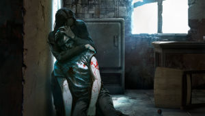 En bild från ett datorspel där en kvinna håller om en sårad man i en förfallen lägenhet.