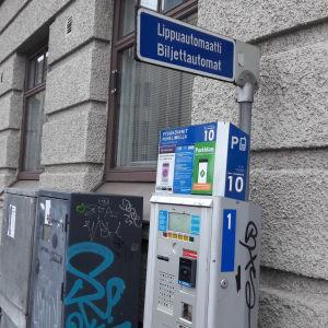 Biljettautomat för parkering i Helsingfors.