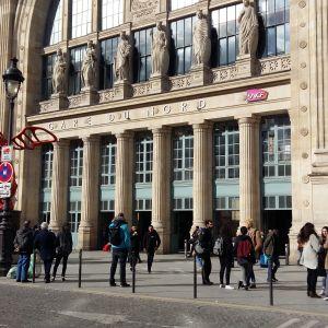 Gare du Nord i Paris är Europas största järnvägsstation. Varje år reser här 180 miljoner passagerare.