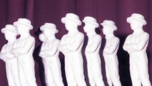 Jussi-patsaita