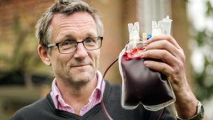 Michael Mosley tutustuttaa meidät veren saloihin.