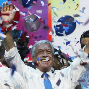 Den konservativa ex-presidenten Sebastián Piñera  är favorit i söndagens presidentval i Chile