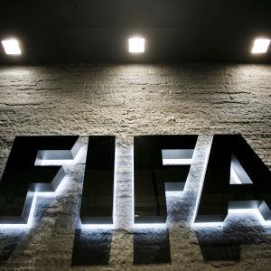 Fifa-chefer arresterades i Schweiz.
