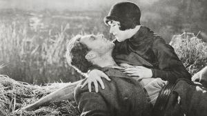 George O'Brien ja Janet Gaynor elokuvassa Auringonnousu