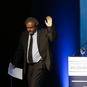 Michel Platini tog avsked av UEFA-delegaterna i Aten.