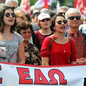 Fackmedlemmar demonstrerade i Aten den 1 maj 2017.