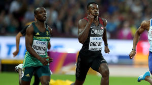 Clarence Munyai längst till vänster löper 200 meter i VM