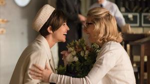 Ana (Paula Echevarría) ja Rita (Cecilia Freire) sarjassa Velvet