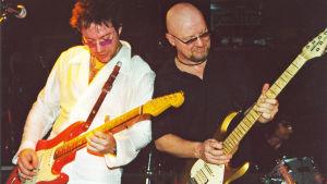 Ben Granfelt på scenen med Wishbone Ash