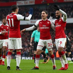 Arsenal firar ett mål.
