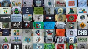 Lukuisia t-paitoja.