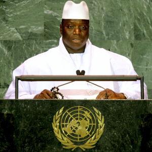 Gambias besegrade president Yahya Jammeh