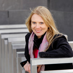 Laura Mikkola, piano