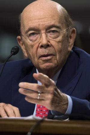 Miljjardären Wilbur Ross ville inte svara på frågor om sina affärskontakter med Ryssland i senatsförhör
