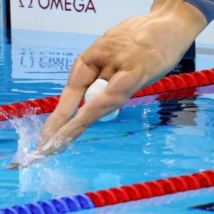 Ari-Pekka Liukkonen får simma vidare på 50 meter fritt.