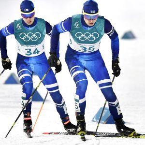 Hannu Manninen startade ut samtidigt med den en minut långsammare Arttu Mäkiaho.