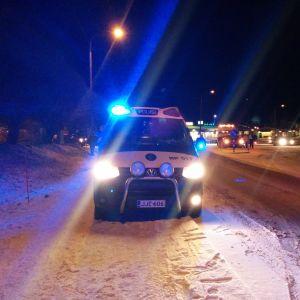 Polisbil vid olycka.