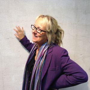 Camilla Moberg är formgivare i glas.