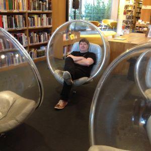 informatiker gunnar högnäs på huvudbiblioteket i åbo,