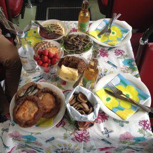 Picknickbordet i spårvagnen