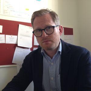 Joachim Thibblin i sitt arbetsrum.