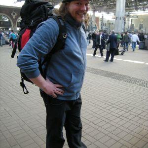 Ville Haapasalo lähdössä junamatkalle Venäjällä.