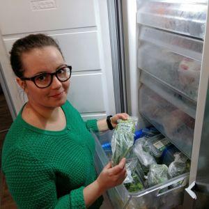 Det är grönt i Sofia Grynngärds frysbox.