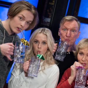 Kuvassa Atte Reunanen, Amelie Blauberg, Aimo Räsänen ja Inga Sulin