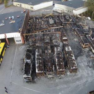 Bild på bussdepåbranden i Åbo.