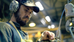 Miehen työ -elokuvan pääroolin näyttelee Tommi Korpela.