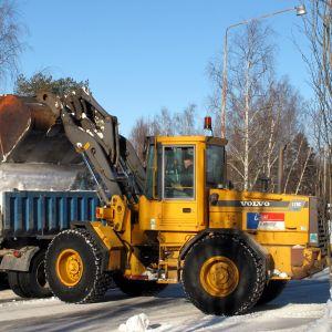 Snöröjning på Brändö i Vasa.