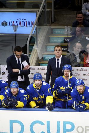 Svenskarna deppar i matchen mot Lag Europa.