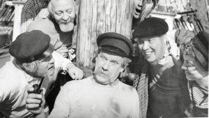 Laulunäytelmään perustuva elokuva kertoo kuunariparkin leppoisasta miehistöstä ja monikasvoisesta kokkipojasta.