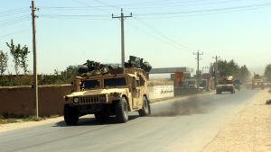 Afghanska armén skickar förstärkningar till striderna mot taliban.