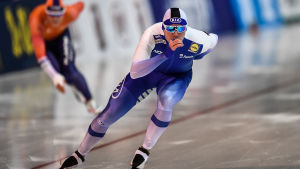 Mika Poutala tävlar i hastighetsåkning på skridskor.
