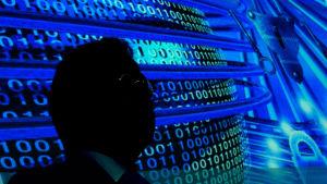 Den tyske underrtättelsechefen Hans-Georg Maassen talar om cybersäkerhet vid en konferens i Potsdam år 2014.