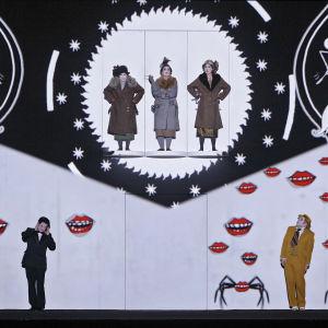 Foto från Trollflöjten på Finlands nationalopera.