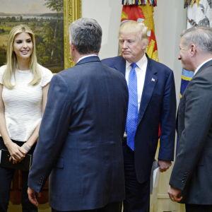 Ivanka Trump får ett eget kontor i Vita huset där hon blir faderns inofficiella rådgivare på heltid