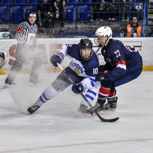 Kristian Vesalainen bromsar upp is mot USA.